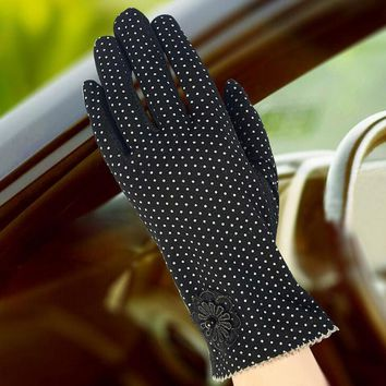 Sexy Summer UV Sunscreen Short Sun Female Gloves Women Fashion Flowers Knitted Lace Driving Touch Screen Thin Gloves G165