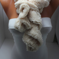 NEW- Creamy  Ruufle Plush Fabric Velvety Cozy  Scarf