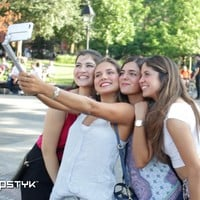 SNAPSTYK: The First Cell Phone Case and Selfie Stick in One