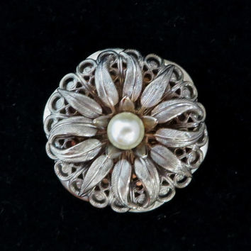 Lieba USA Scarf Clip, Vintage Faux Pearl Gold Tone Flower Clip, Gift for Her