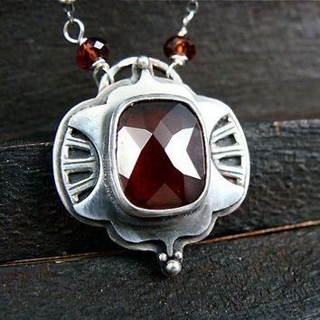 crimson midnight ... garnet pendant
