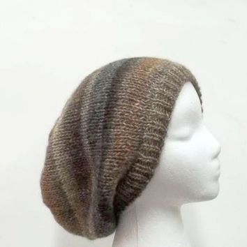 Knitted slouchy hat wool blend size large 5150