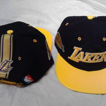 MDIG2JE Los Angeles Lakers NBA Adidas Snapback Hat Cap Black Leather Brim