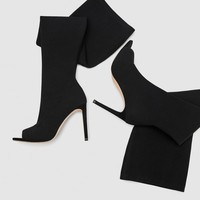 OVER-THE-KNEE HIGH HEEL SANDALS DETAILS
