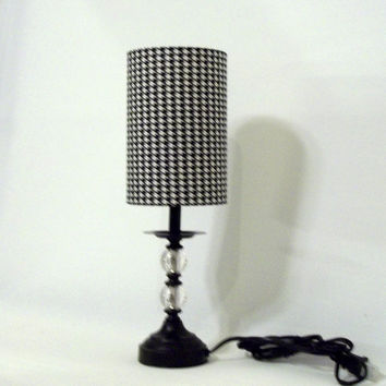 Lamp and drum lamp shade in black and white by elladeandesign