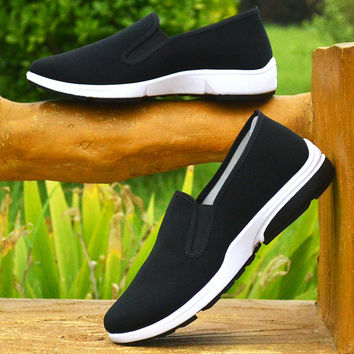 2017 spring new old Beijing shoes men's casual shoes work shoes black dad shoes