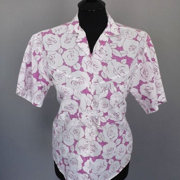 Vintage  Retro 1980s White Purple Rose Floral Polka Dot Print T-Shirt Top Shirt Women's Button Up Pennylane Blouse Boho Hipster Medium Beach