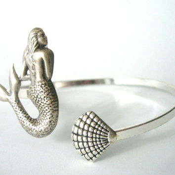 mermaid bracelet with a seashell. wrap mermaid jewelery
