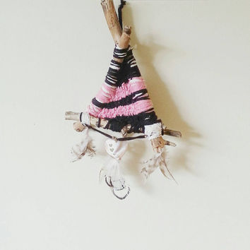 Branch Weaving, Boho Decor, Bohemian Decor, Wall Hanging, Dream Catcher, Unique, Yarn, Home decor ideas, Wall Art, Wall Accent, Pink Heart