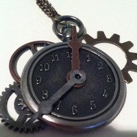 gears of time steampunk clock necklace
