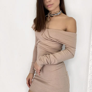 Twist Ribbed Dress - Avaiable in Two Colors