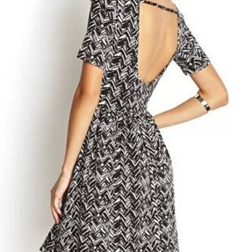 Black Wave Pattern Open-Back Sleeve A-Line Dress