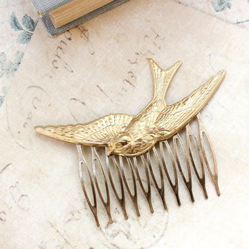 Gold Bird Comb Flying Swallow Hair Accessory Feather Wings Woodland Wedding Raw Brass Bird Hair Clip Bridesmaids Gift Fairytale Hair Comb