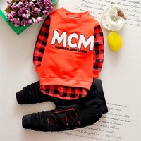 2016 Baby Suit T Shirt Pants 2pcs Letter Boys Girls Unisex Plaid Kids Stitching Holes Casual Tracksuit Out Clothes