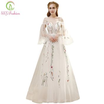 Summer New Fresh Long Prom Dress White Lace Embroidery Speaker Sleeves Sweep Train Romantic Banquet Party Formal Gown