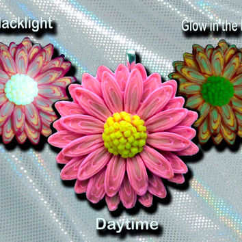 EyeGloArts psychedelic Hot Pink Glow in the dark 3D Daisy Pendant  UV neon blacklight polymer clay Millefiore Jewelry