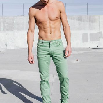 Athletic Chino Pant in Olive