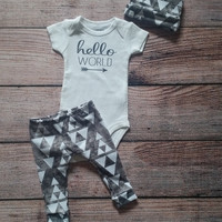 Hello world outfit / baby outfit / charcoal triangle / leggings / beanies / hello world Onesuit / baby gift / going home outfit
