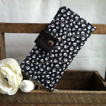 Mini Skulls print in a folded wallet, card slots, coin pouch, 2 bill slots