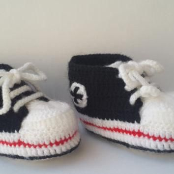 Crochet baby Converse, Baby shoes, Baby sneakers, Baby booties, Converse style, Baby c