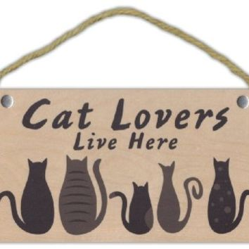 Wooden Decorative Pet Sign: Cat Lovers Live Here | Cats, Gifts, Decorations