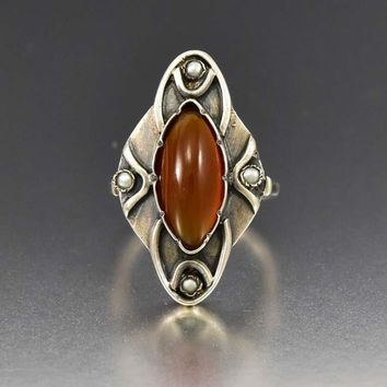 Silver Chalcedony Pearl Arts & Crafts 1910s Ring