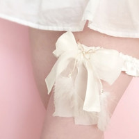 Off white silk and feather bridal garter OOAK by Jye, Hand-made in France