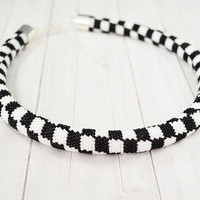 Necklace black and white, checkerboard pattern, crochet hook necklace, black necklace, necklace with beads, white necklace, tube, rope bead