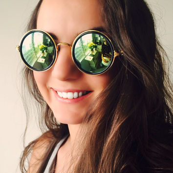 Retro Round Sunglasses Vintage Black and Gold Frame Multicolor Mirrored Lens
