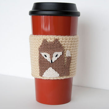 Brown Fox Cozy, cup cozy, coffee cozy, crochet sleeve, crochet fox applique, heather beige sleeve, mocha brown fox with off white highlites