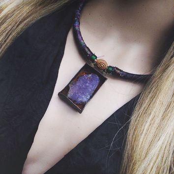 Fluorite necklace | Raw stone necklace | Quartz cluster | Purple stone | Purple fluorite | Rustic bohemian | Bohemian necklace