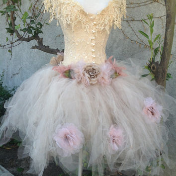 Victorian tutu lace corset and flower decorations//Maternity Tutu/XV Tutu/Prom Tutu//Tulle//Wedding//Fantasy tutu//Photo prop tutu by Elena