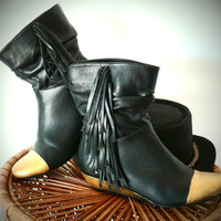 Gold Toe Black Fringe Ankle Boots Hand Painted Faux Leather Wedge Booties Size 8 // 7.5