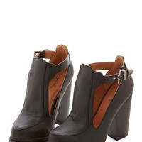ModCloth Vintage Inspired Tremendous Talent Bootie in Black