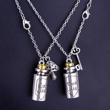 RJ Hot Slae Alice in Wonderland High Quality Metal Necklaces Cute Eat Me Drank Me Bottle Pendant Necklace For Friend Best Gift