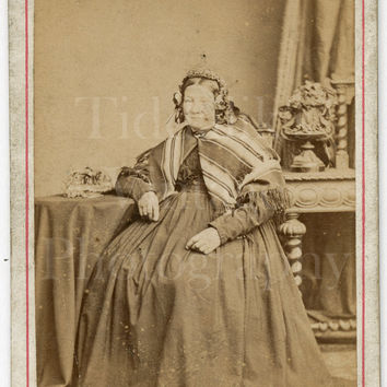 CDV Carte de Visite Photo Victorian Old Woman, Hoop Dress and Stripey Shawl Portrait - A Whitham of Rochdale Yorkshire - Antique Photograph