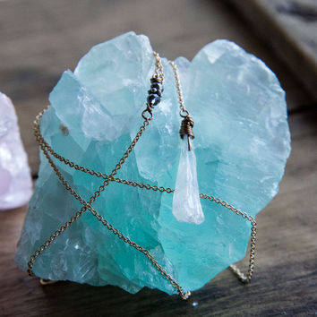 QUARTZ DROP LARIAT - Aura Quartz Crystal Long Necklace Bridesmaid Gift Wedding Jewelry Boho Chic Delicate Gemstone Jewelry Thin Gold Chain