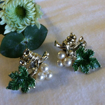 Green Leaf and Pearl Earrings Vintage Mid Century Woodland Screw Back Style Grape Cluster Earrings With White Pearls Green Enamel Leaves