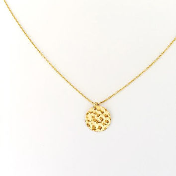 Modern 14kt Gold filled Disc Necklace. Small Hammered Circle Disc. Minimal. Gift for Her