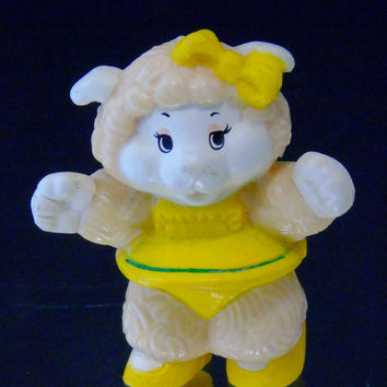 1984 Vintage Woolma Lamb Get Along Gang Figure Tomy PVC Toy Miniature AGC Taiwan Baby Shower Decor Cake Topper