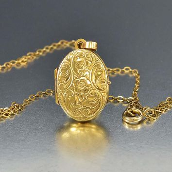 Forget Me Not Engraved 9K Gold Locket Necklace