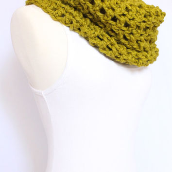 Chunky Wool Blend Snood in Chartreuse Green