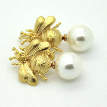 Gold Bee Majorica Pearl jewelry  - 14K Gold  plated over brass earrings with Majorica  pearls.