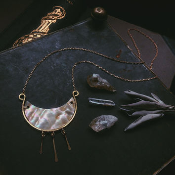 shell moon necklace • crescent necklace - sea witch - crescent moon necklace - witch jewelry - shell pendant - witchy necklace