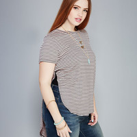 Striped Side-Slit Tee | Wet Seal+
