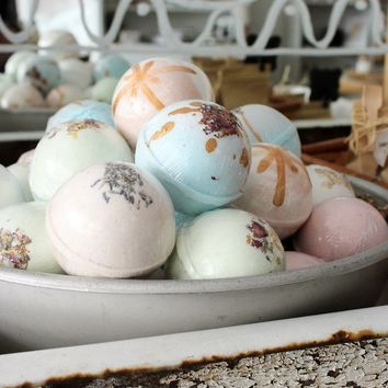 Handmade Luxury Bath Bombs