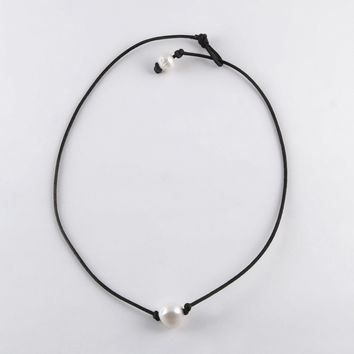 Its A Beach Thing! Necklace Jewelry - White Pearl Single Surfer Necklace (Black)