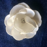 Sew on ivory flower Embellishment crystals bling couture blossoms 3D decoration applique ornament for DIY weddings