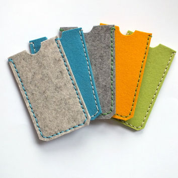 Iphone sleeve. Pure wool felt iphone case. Iphone 5, 5s holster. Natural, eco-friendly phone cases. Handcrafted phone accessories.