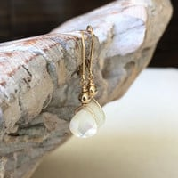 Pearl Earrings, Pearl Earrings in Gold or Silver, Pearl Tear Drop Earrings, Pearl Tear Drop, Mother of Pearl Earrings, Pearl